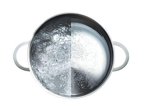Da, procesul de gatit se desfasoara mult mai usor pe plitele cu inductie decat pe alte tipuri de plite, deoarece incalzirea are loc imediat