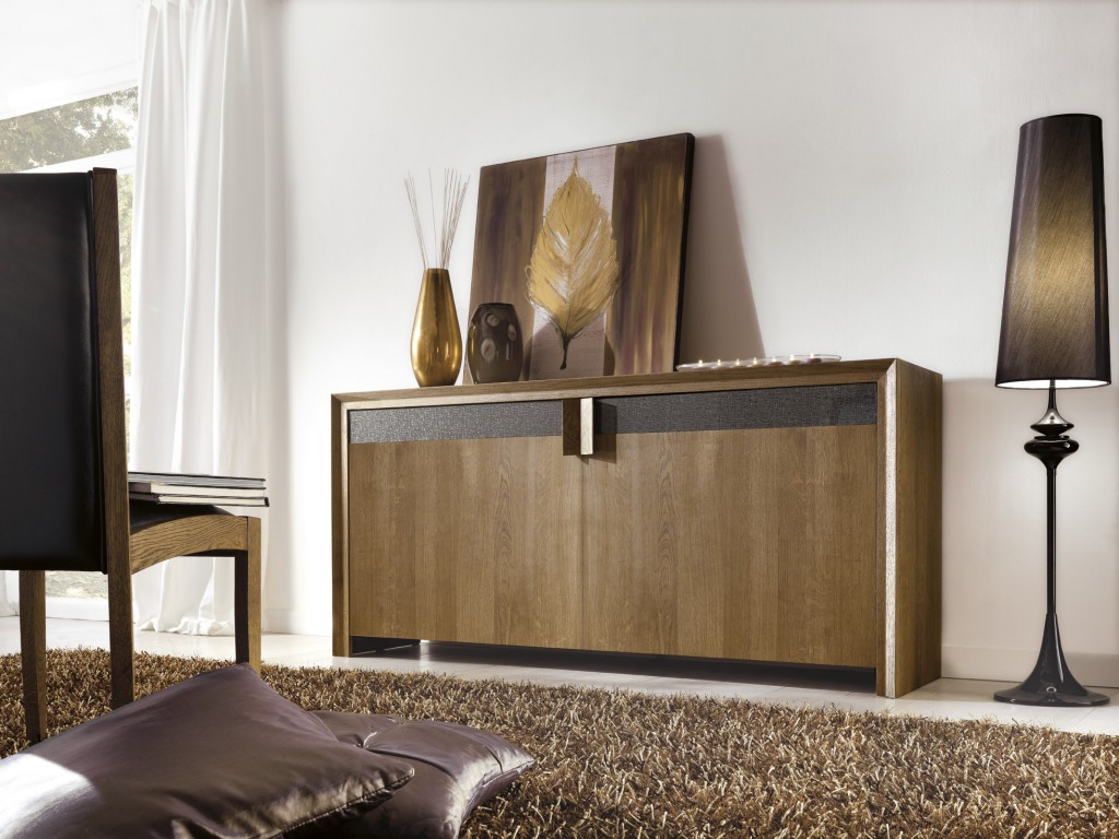 comoda-living-modern-antares-realizat-in-intregime-din-lemn-masiv-stejar-natur-accesorizat-cu-sticla-murano