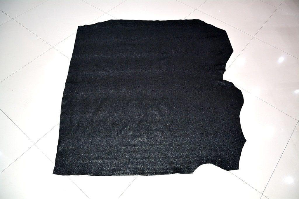 Piele naturala de bovina de culoare neagra in imintatie piele pisica de mare-min