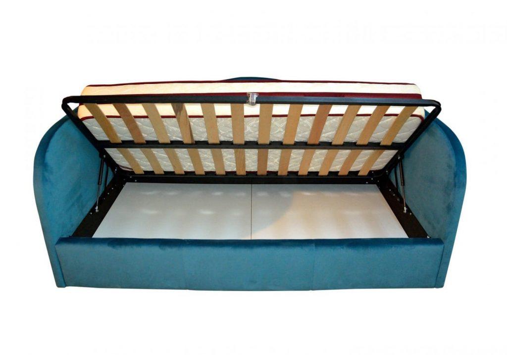 Vedere interioara a ladei de depozitare de pat tapitat copii cu somiera rabatabila frontala su laterala-min