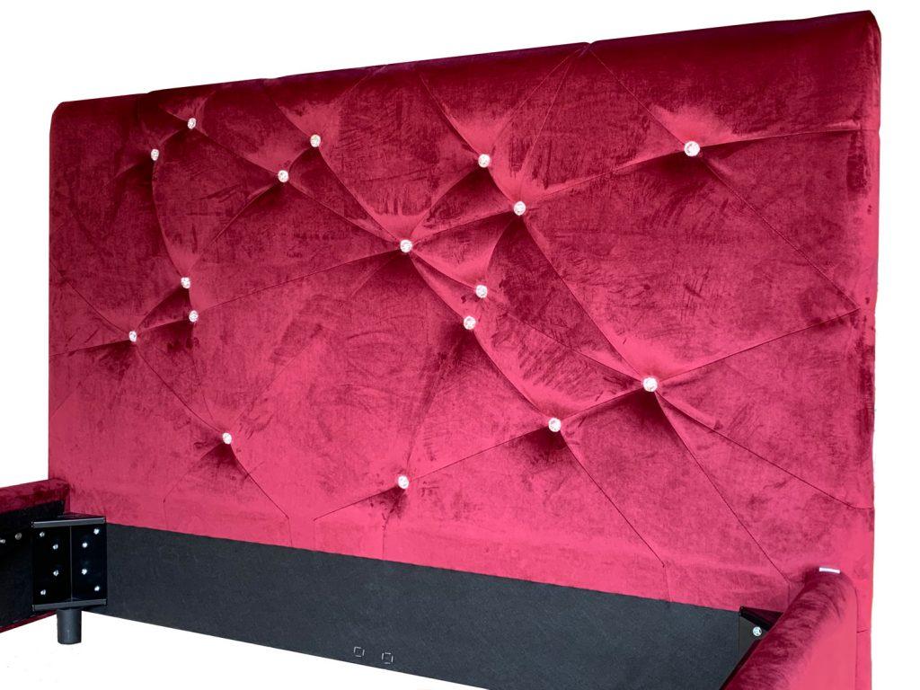 Tablie de pat matrimonial tapitat cu butoni nasturi cristale swarovski iak.ro